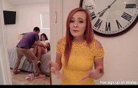หนังโป๊ฝฝรั่ง เมื่อแม่ได้เห็นฉันเย็ดกับผัว แม่ฉันจะทำอย่างไรกับเงี่ยนนี้